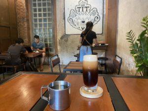 ラオスのカフェ