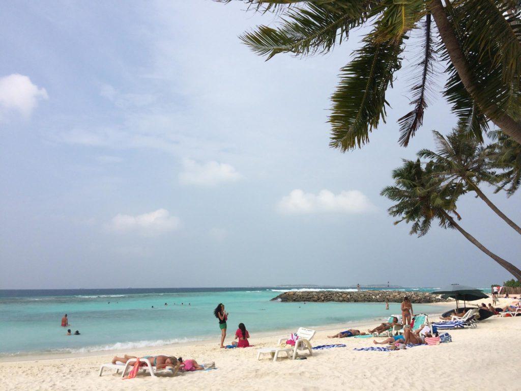 maafushi bikini beach